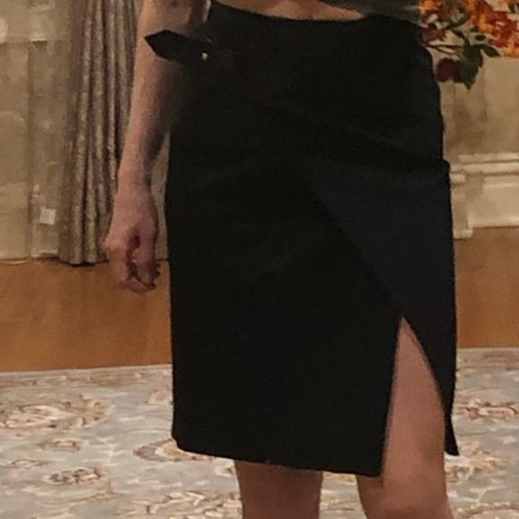 Louis Vuitton Dresses & Skirts - Louis Vuitton skirt !